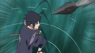 Kunai em direção a Izuna