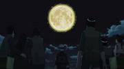 Kakashi e os outros observam a Lua