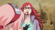 Sakura curando a Karin