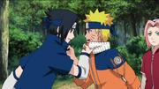 Naruto e Sasuke discutem