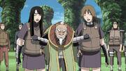 Yukata y Matsuri cargando al tercer Tsuchikage
