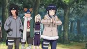 Hinata procura por Sasuke e Sakura