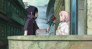 Sasuke regala una rosa a Sakura