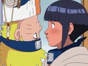 Hinata perto de Naruto