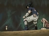 Orochimaru paralisa Sasuke e Sakura