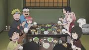 Los huérfanos alegres durante la cena