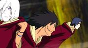 Kakuzu cargando a Nagato junto con Itachi