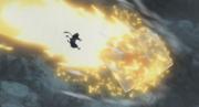 Ōnoki pulverizando el meteorito para proteger a Iwagakure