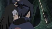 Sasuke recevant le sceau maudit