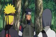 Asuma entrenando a Naruto y Sora