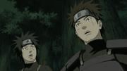 Hiruzen se convierte en Hokage, en frente de su rival Danzō