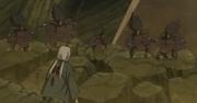Tsunade enfrentando los clones de Madara