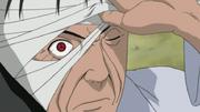 El Sharingan de Shisui en el ojo derecho de Danzo