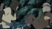 Orochimaru encontra Kabuto