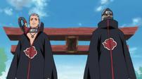 Hidan y Kakuzu se encuentran con Sasori y Deidara