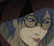 Kabuto sacando su lengua como Orochimaru
