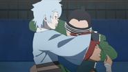 Shino tenta separar Mitsuki e Iwabee