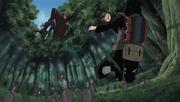 Kankurō ataca a Chiyo con Escorpión