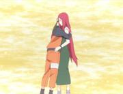 Naruto abraza a Kushina