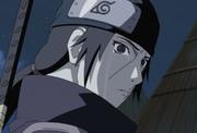 Itachi llora después de haber matado a todo su Clan