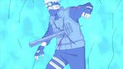 Kakashi atravessa o ataque (Anime)