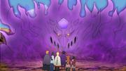Sasuke activa su Susanoo para transportar al grupo donde Shin