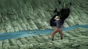 Sasuke tenta queimar Naruto