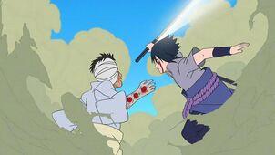 Sasuke y Danzo chocan