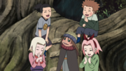 Ino e seus companheiros brincando com Yota.