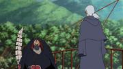 Kabuto siendo espía de Sasori