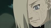 Ino chora pela morte de seu pai