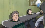 Suigetsu wypytuje Ginjiego o miejsce pobytu Itachiego