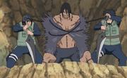 Izumo e Kotetsu prendem Kakuzu