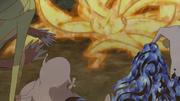 Naruto transformado en Kurama atacando a las demás Bestias
