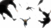 Minato se deshace de sus atacantes
