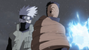 Kakashi and Yamato restrain Madara