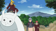 Sasori utiliza sus Hilos de Chakra para controlar a Shin