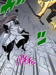 Madara bloquea el ataque de Naruto Manga