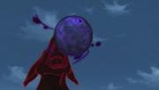 El clon de Naruto del Nueve Colas realizando la Bola Bestia con Cola