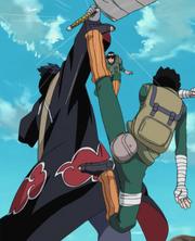 Lee desarma a Kisame con el Remolino de la Hoja
