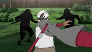 Omoi corre em direção a Tokuma e Ranka
