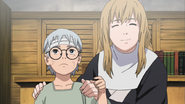Nonō dá seus óculos para Kabuto