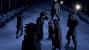 Sasuke com os andarilhos explosivos