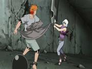 Jūgo atacando a Suigetsu