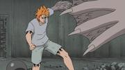 Jûgo se préparant à attaquer Sasuke