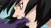 Shizune lança seu veneno