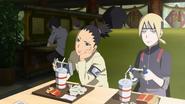 Inojin e Shikadai cobram Boruto sobre o jogo