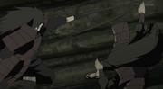 Madara ataca a Hashirama con un receptor