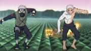 Kakashi y Obito se interponen en el ataque de Kaguya