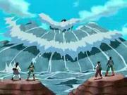 Kisame ataca al Equipo Guy con la Colisión de Olas